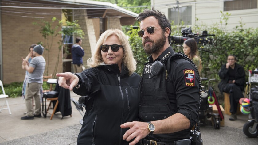 """Director Mimi Leder and Justin Theroux behind the scenes of HBO's """"The Leftovers"""". Episode 21 (seaso"""