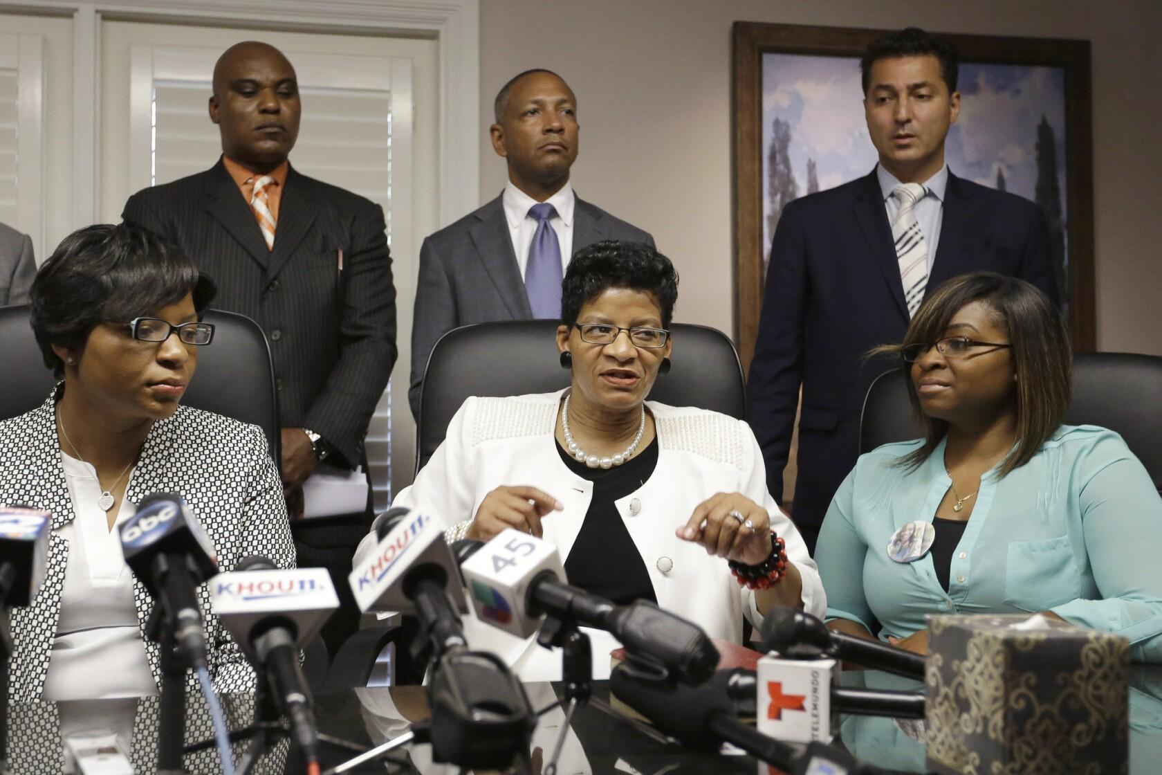 Texas probe: Trooper rude to Sandra Bland, did not follow procedures
