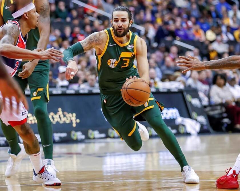 El jugador español Ricky Rubio de Utah Jazz en acción ante Washington Wizards durante un partido de baloncesto de la NBA entre Utah Jazz y Washington Wizards. EFE
