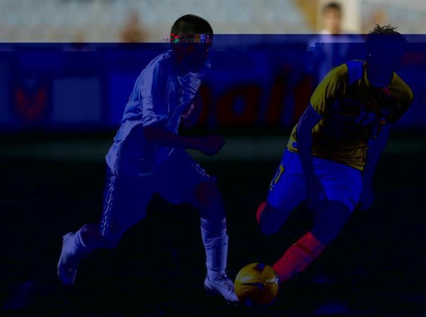 El centrocampista argentino Leandro Velázquez, exjugador del Vélez Sarsfield y el Newell's Old Boy, dejó al Pasto de Colombia para fichar con el Veracruz de México, informó hoy la directiva de su nuevo equipo. EFE/ARCHIVO