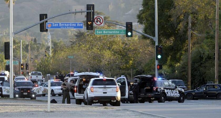 Miembros del SWAT llegan al lugar donde presuntamente fueron detenidos los sospechosos del tiroteo hoy, miércoles 2 de diciembre de 2015, en San Bernardino (California, USA). EFE/Archivo