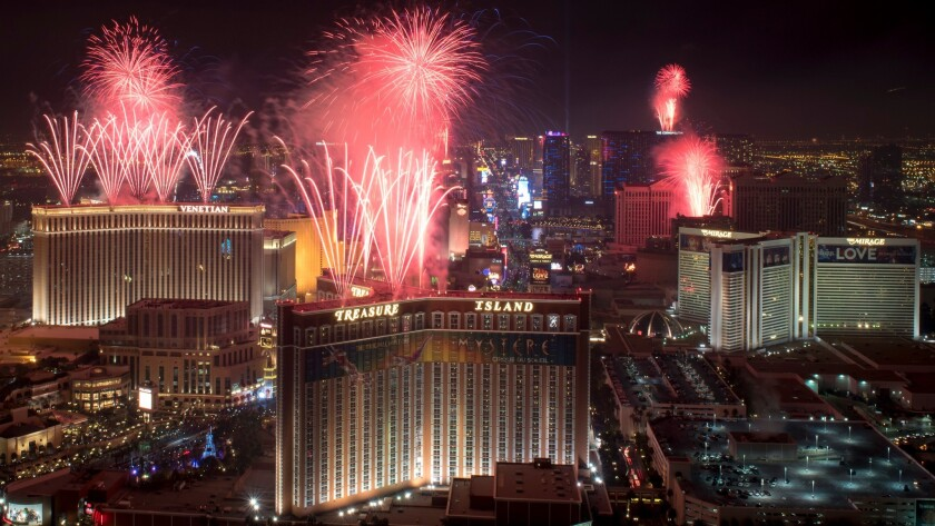Five Best New Year S Eve Party Places To Watch Las Vegas Fireworks Los Angeles Times