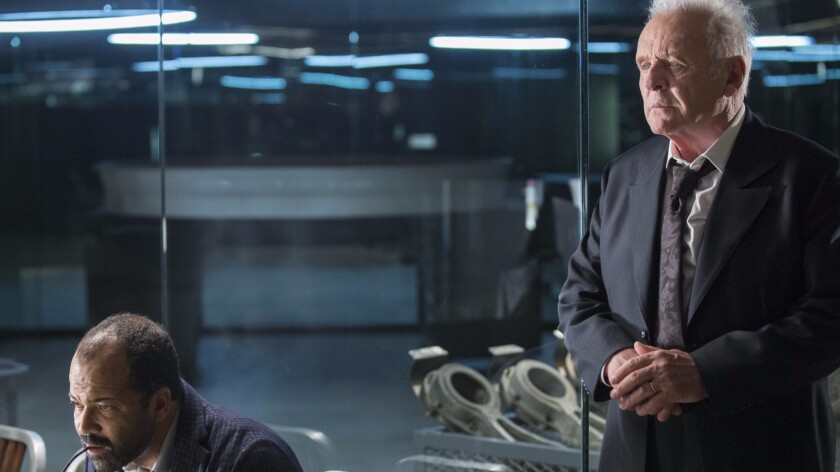 """Jeffrey Wright as Bernard Lowe and Anthony Hopkins as Dr. Robert Ford on """"Westworld"""""""