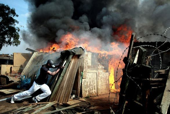 Monday: Day In Photos. Johannesburg fire