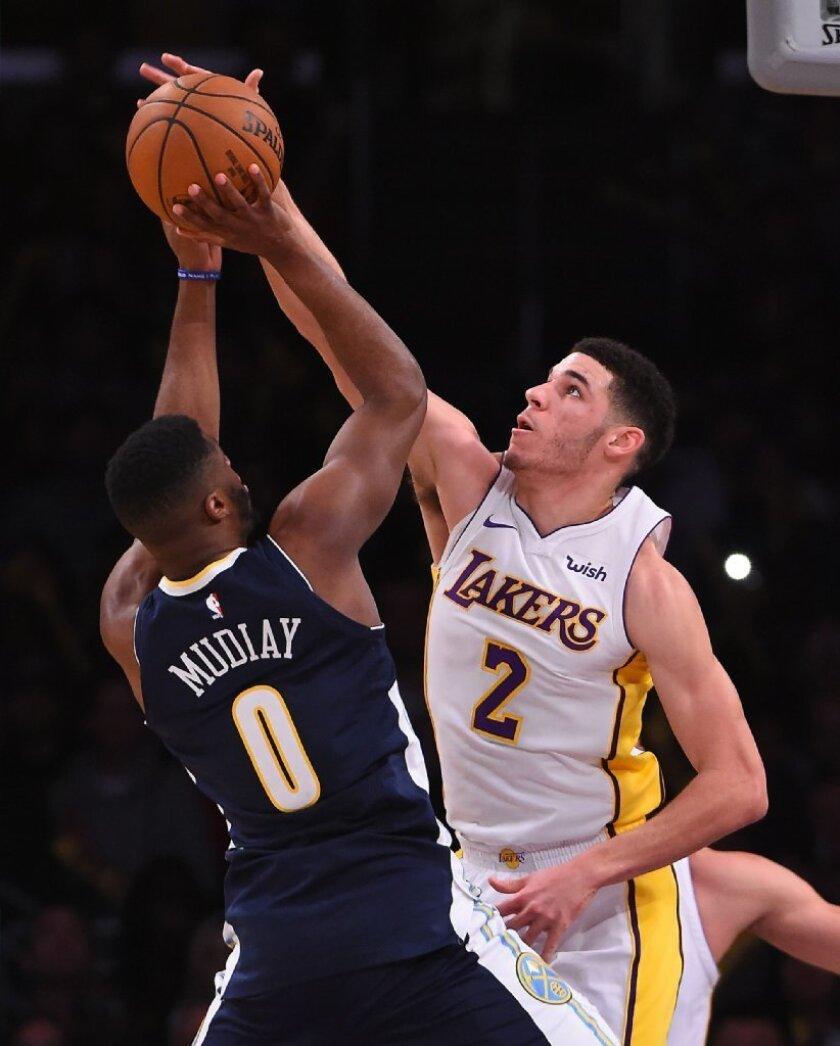 Segundo triple-doble de Lonzo Ball impulsa a Lakers ante Denver