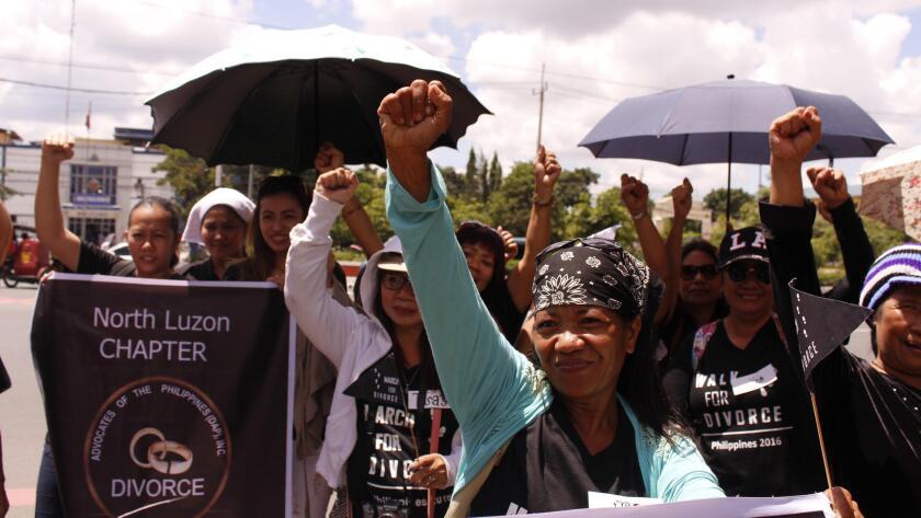 Miembros del grupo Pro-Divorcio en Filipinas se preparan para marchar ante el Congreso del país en manila, el 3 de agosto pasado. Ana P. Santos / Los Angeles Times