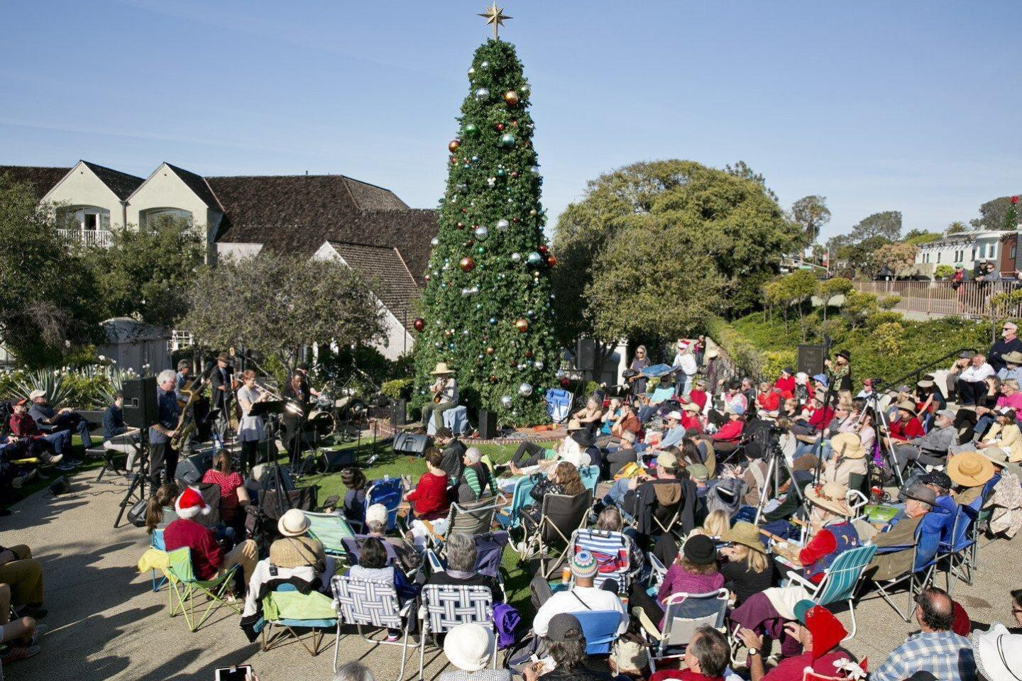 Peter Sprague and friends played their 39th Holiday Concert in Del Mar