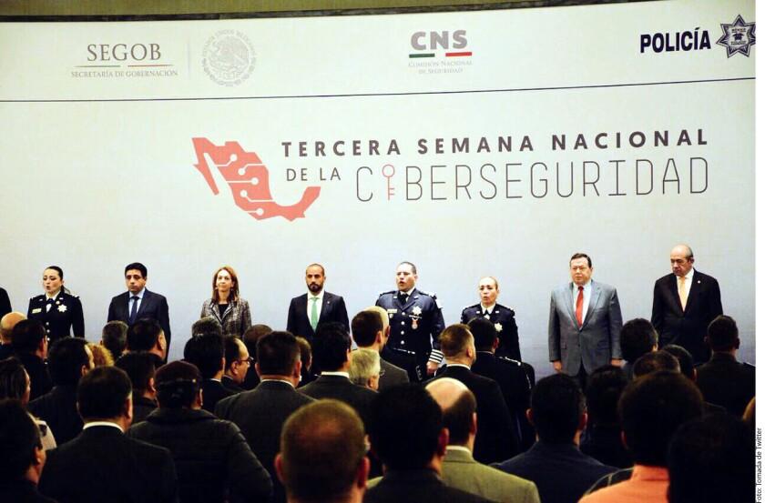 De 2012 a la fecha, la Policía Federal ha atendido más de 200 mil incidentes cibernéticos y neutralizado 16 mil sitios web apócrifos, informó el comisionado general Manelich Castilla.