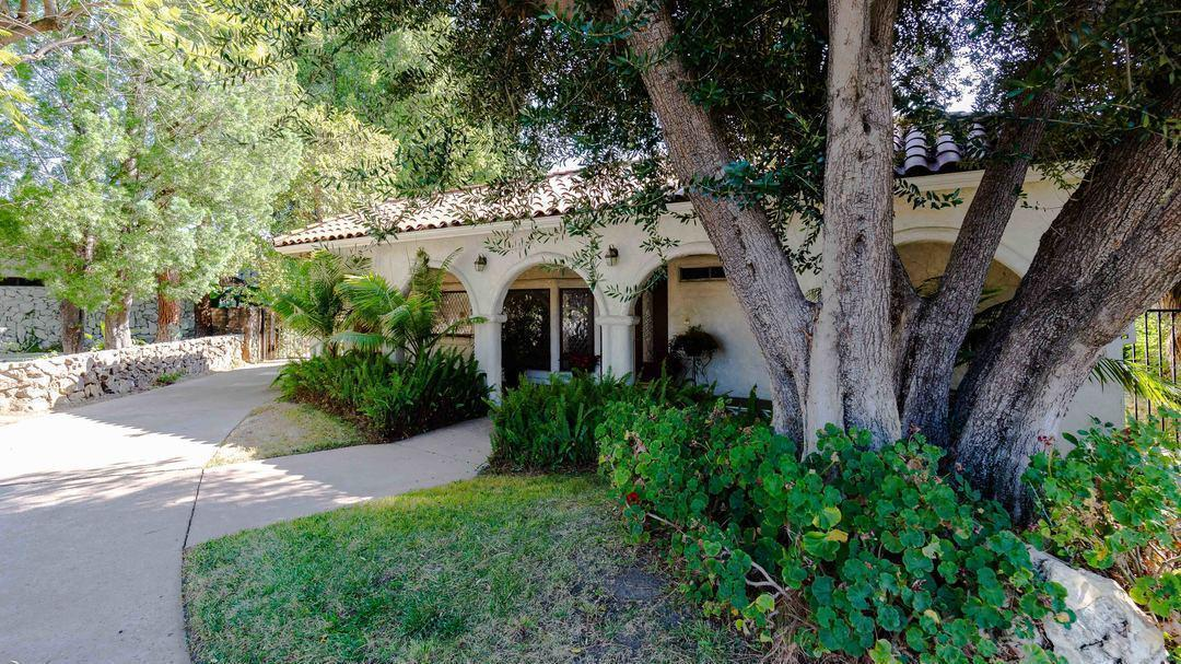 Niecy Nash's Northridge home | Hot Property