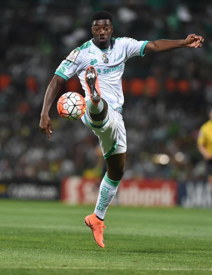 En la imagen, el jugador Djaniny Tavares del Santos Laguna. EFE/Archivo