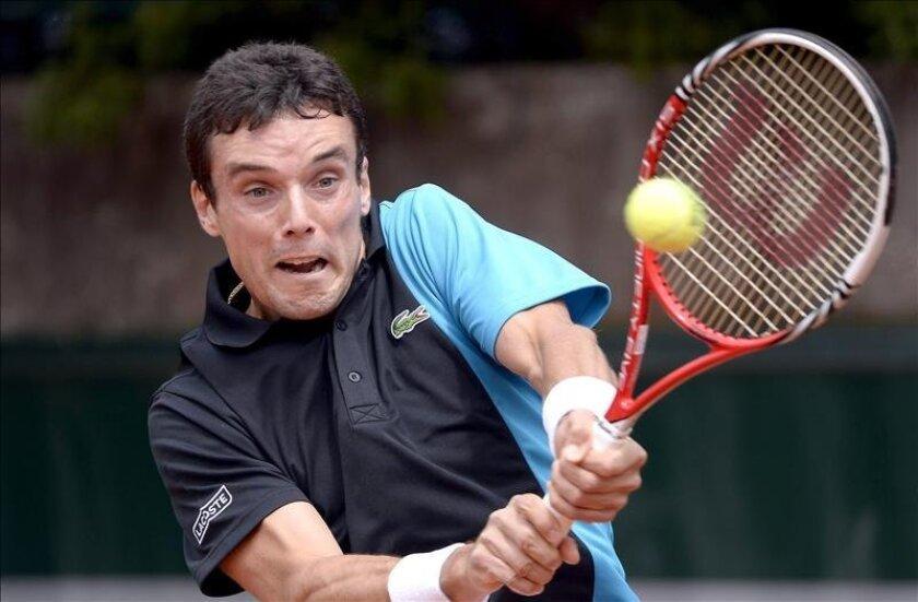 El español Roberto Bautista, durante su partido hoy del torneo Roland Garros, en París. EFE