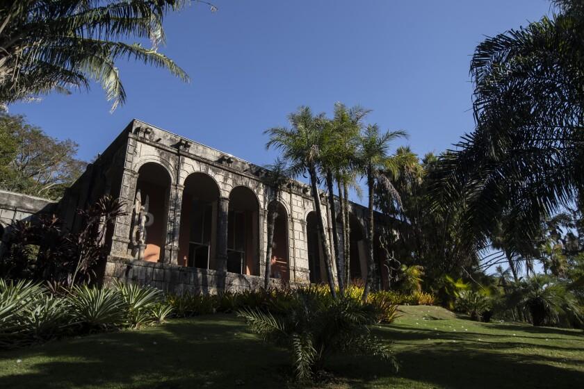 Esta fotografía muestra el estudio de la antigua casa de Roberto Burle Marx, en Río de Janeiro, la cual fue reconocida el martes 27 de julio de 2021 como sitio de Patrimonio Mundial por parte de la UNESCO. (AP Foto/Bruna Prado)