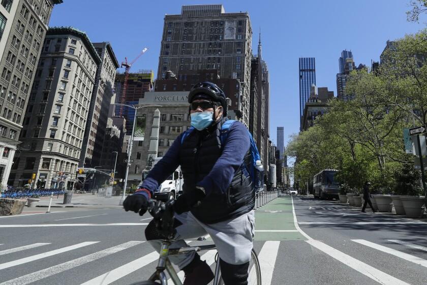 Virus Outbreak New York Daily Life