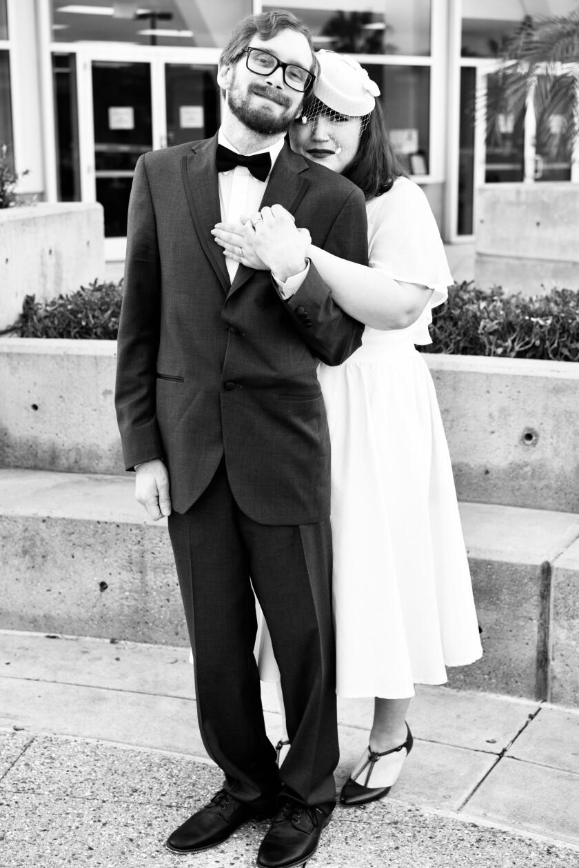 Amanda y Chris en su boda.