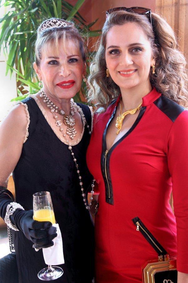 Sue Mortazavi, Neda Safarzadeh