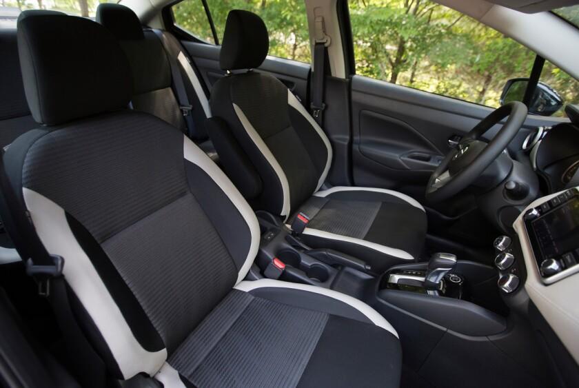 -Nissan-Versa-Front-Pass-Seats.jpg