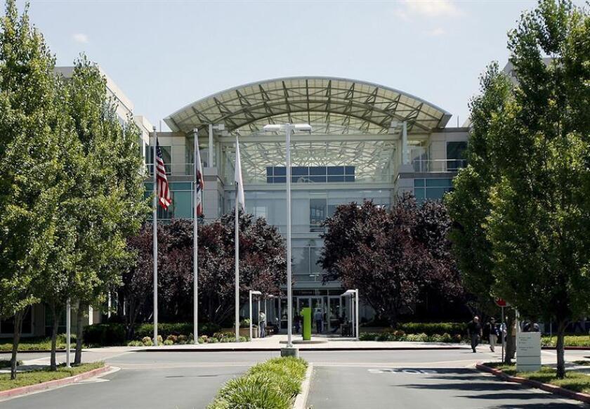 Apple contrata a diseñador de Tesla y reaviva rumores sobre fabricación coche
