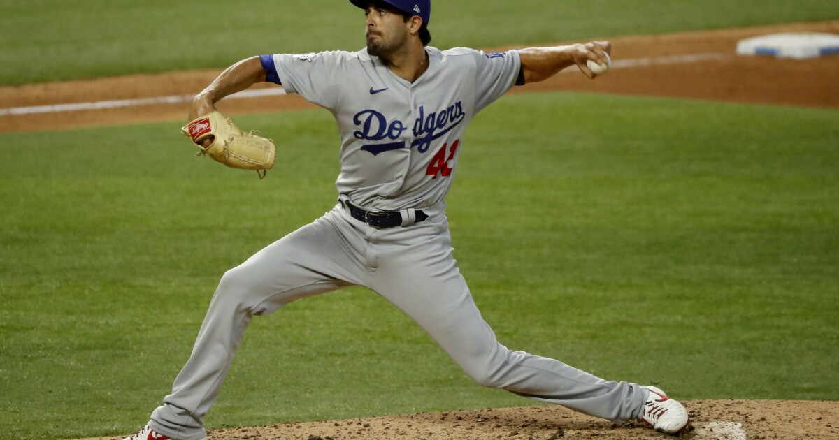 Dodgers agree to one-year, $1-million deal with pitcher Scott Alexander