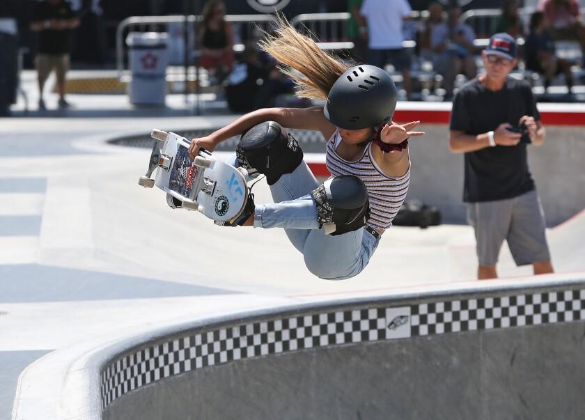 tn-dpt-me-vans-womens-skateboarding-1.JPG
