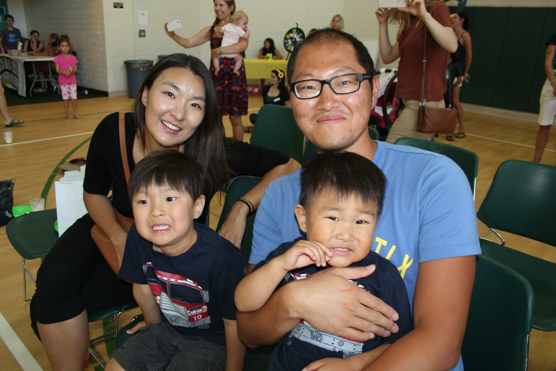 The Ju family.