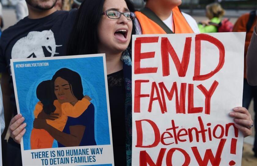 Una juez federal rechazó hoy el pedido de la Administración de Donald Trump de modificar el tiempo que puede mantener en centros de detención a menores indocumentados que entraron a EEUU de manera ilegal, fijado por un acuerdo de más de 20 años. EFE/ARCHIVO