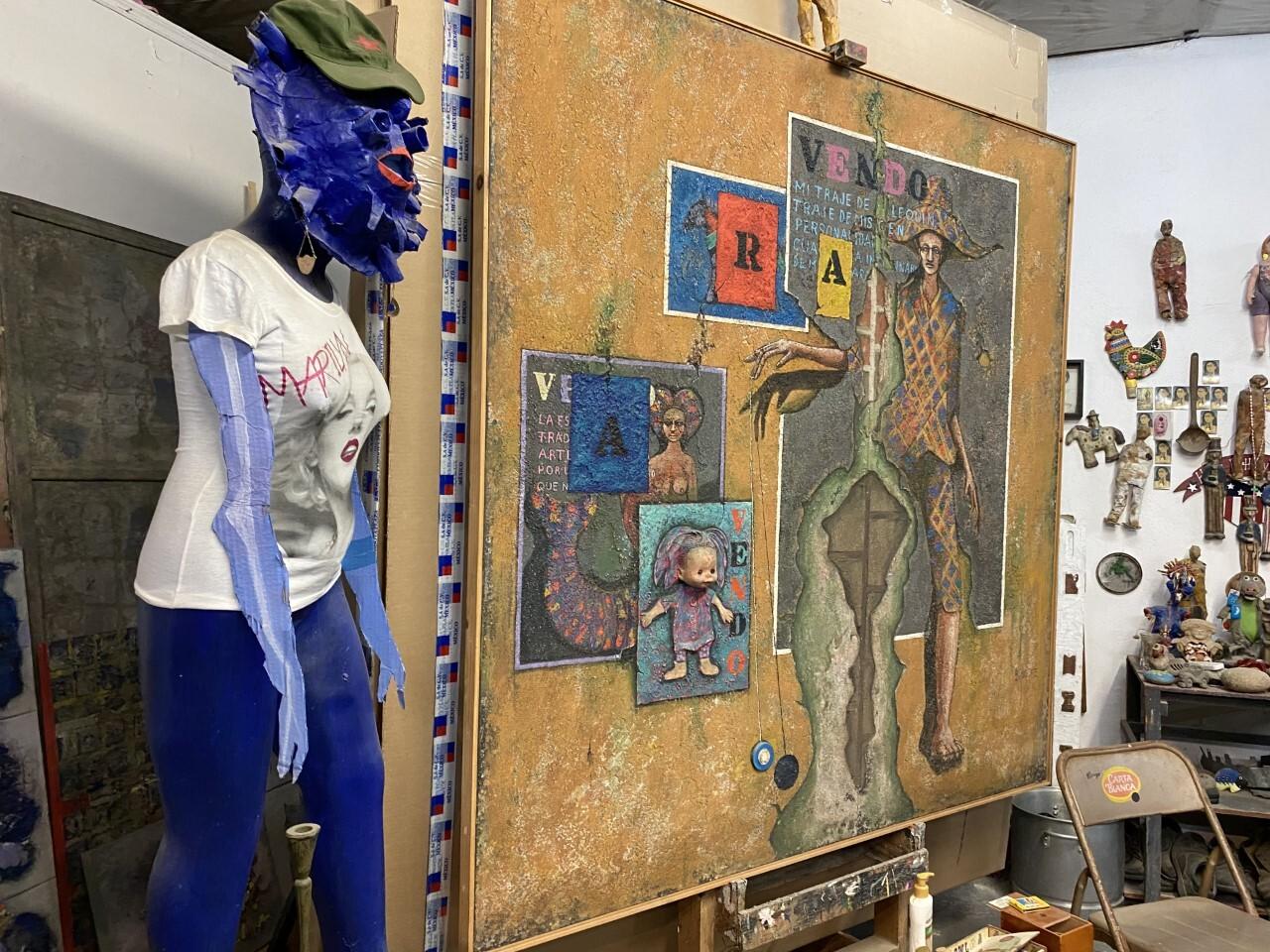 Imágenes del estudio que perteneció al fallecido Álvaro Blancarte, en Tecate, Baja California.