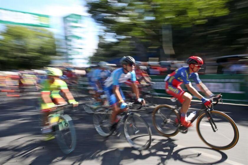 El mexicano Efrén Santos se viste de líder en la Vuelta a Costa Rica