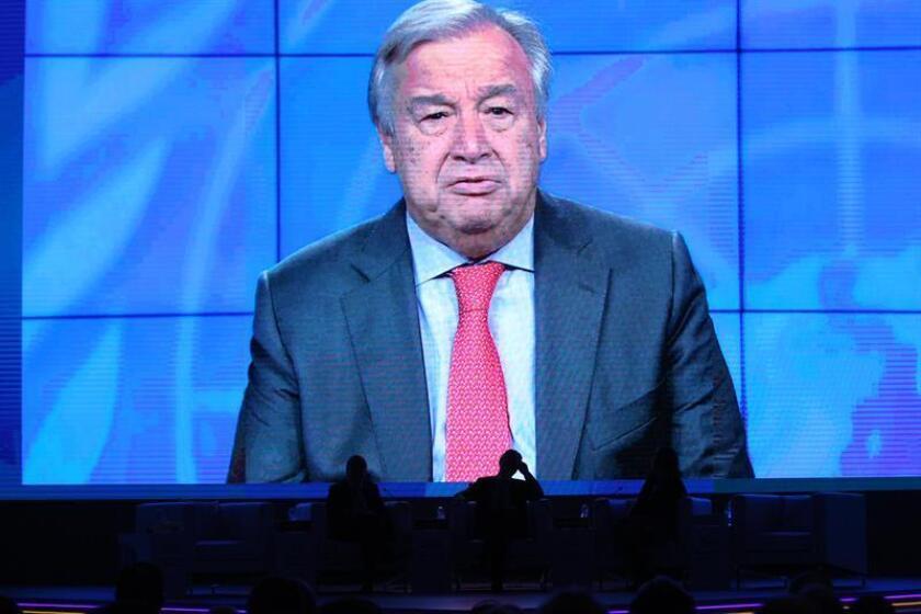 El secretario general de la ONU, António Guterres, alertó hoy de que el cambio climático puede aumentar el riesgo de guerras por el control de recursos naturales y pidió a los países más proyectos de cooperación en este ámbito. EFE/ARCHIVO