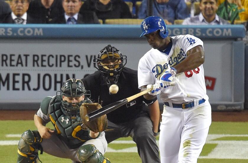 El jugador de los Dodgers, Yasiel Puig, conectá un hit en la victoria ante Atléticos.
