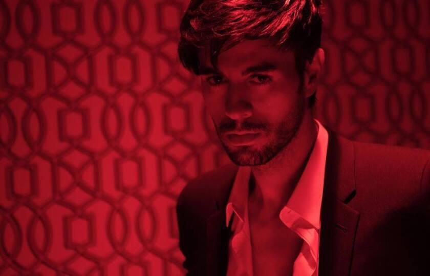 Una imagen proveniente del nuevo video de Enrique Iglesias, que se encuentra ya disponible en YouTube.