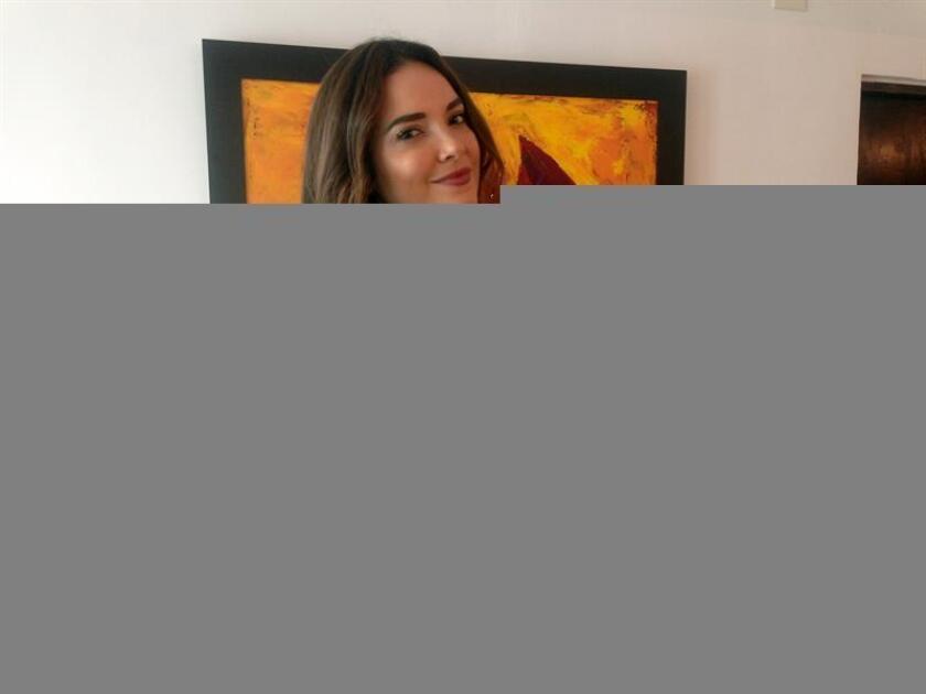 La exMiss Universo 2001, la puertorriqueña Denise Quiñones, posa para Efe durante una entrevista. EFE/Archivo