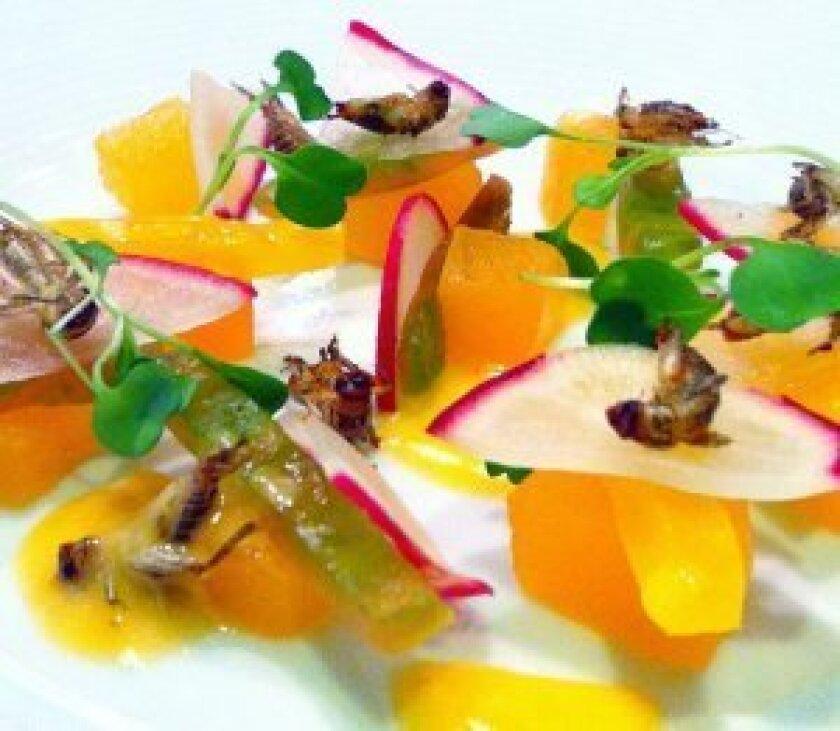 Delicias Cricket Salad
