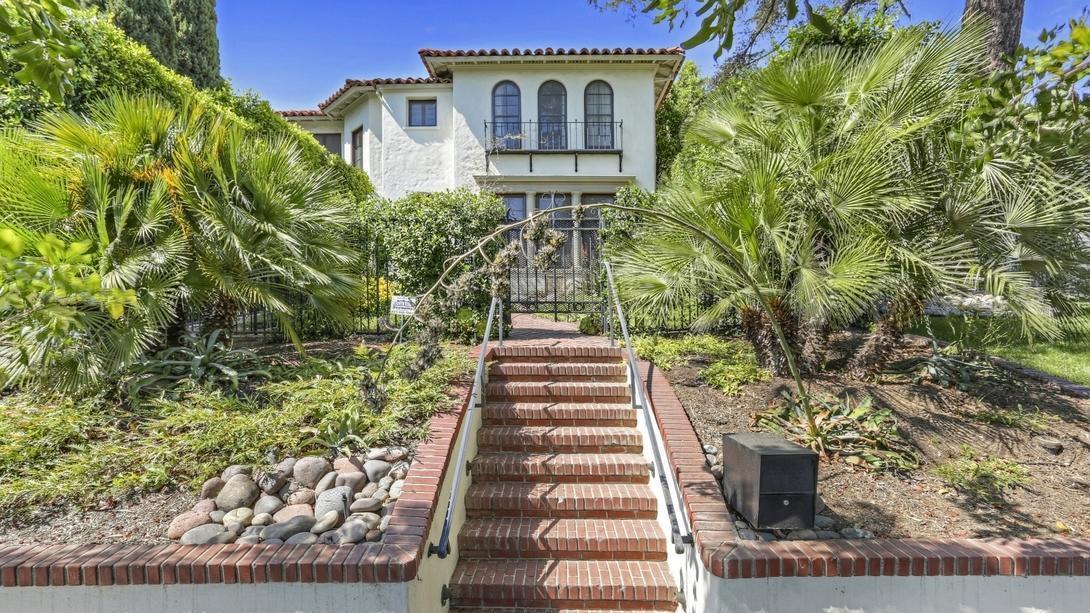 Patton Oswalt's home in Los Feliz   Hot Property