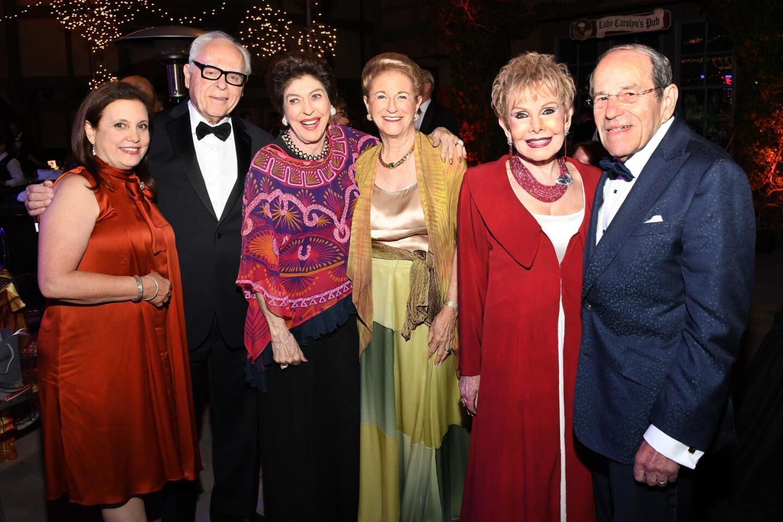 Doreen and Dr. Myron Schonbrun, Barbara Bloom, Judy White, Lee and Frank Goldberg
