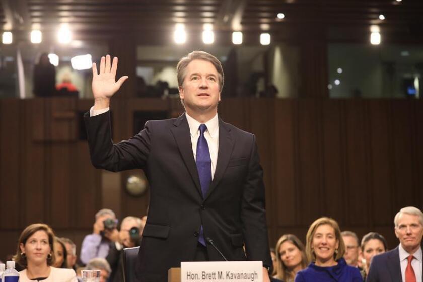El juez Brett Kavanaugh jura durante su audiencia de confirmación como nominado a la Corte Suprema de Justicia. EFE/Archivo