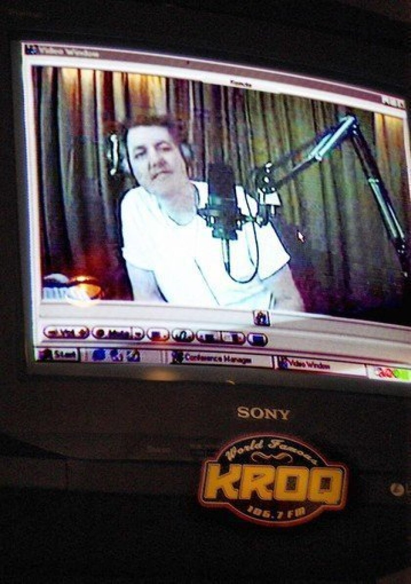 Kevin & Bean' co-host 'Bean' Baxter to donate kidney to KROQ DJ