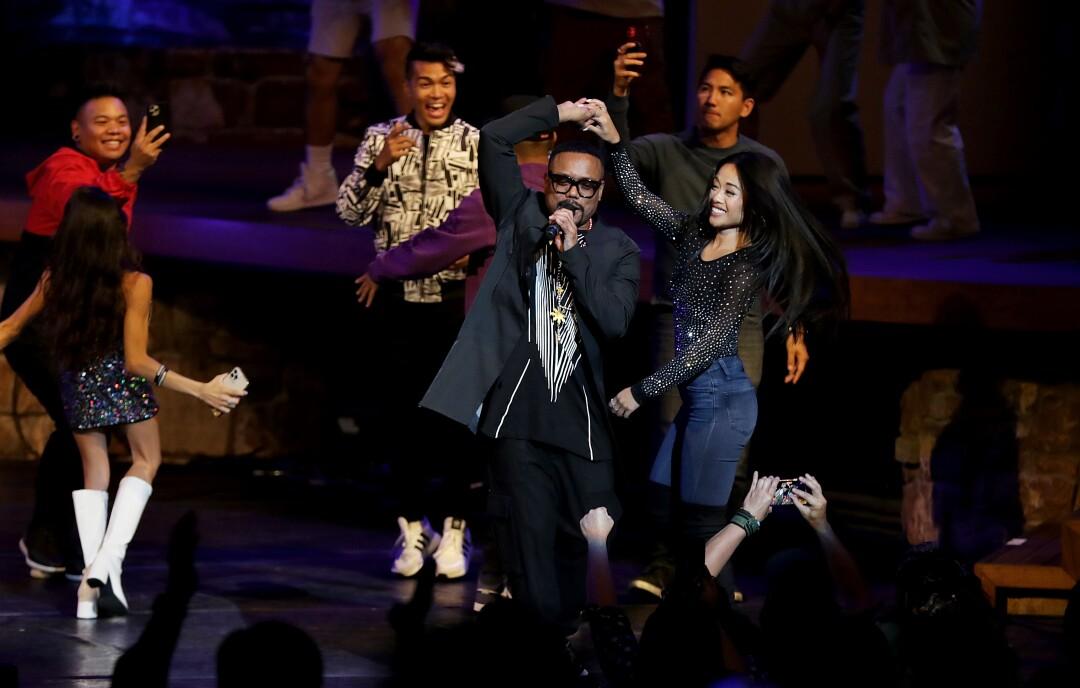 Rapper Apl.de.Ap dances with singer Jules Aurora at
