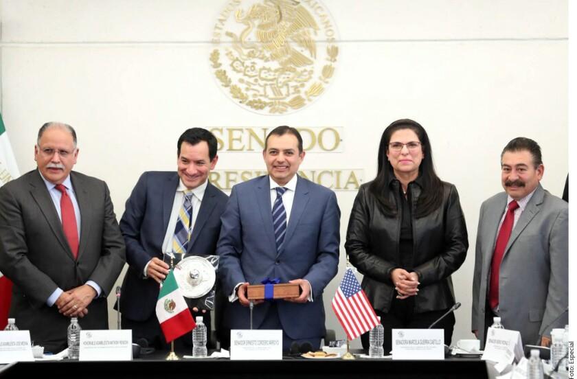 En una reunión con asambleístas californianos, senadores mexicanos les pidieron intervenir en Estados Unidos por el trato humanitario a migrantes.