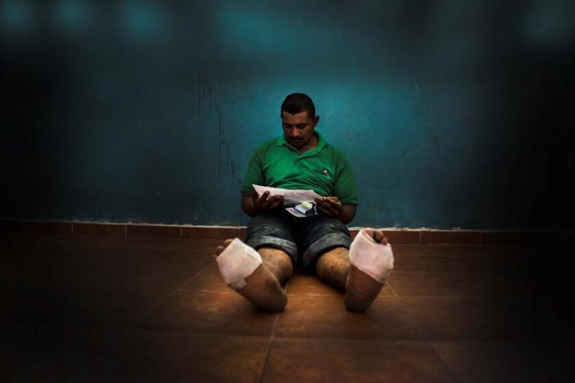 Fotografía cedida por la organización Médicos Sin Fronteras hoy, martes 7 de agosto de 2018, que muestra a un inmigrante descansando en una casa de la ciudad de Guadalajara (México). EFE/Juan Carlos Tomasi/Cortesía Médicos Sin Fronteras/SOLO USO EDITORIAL