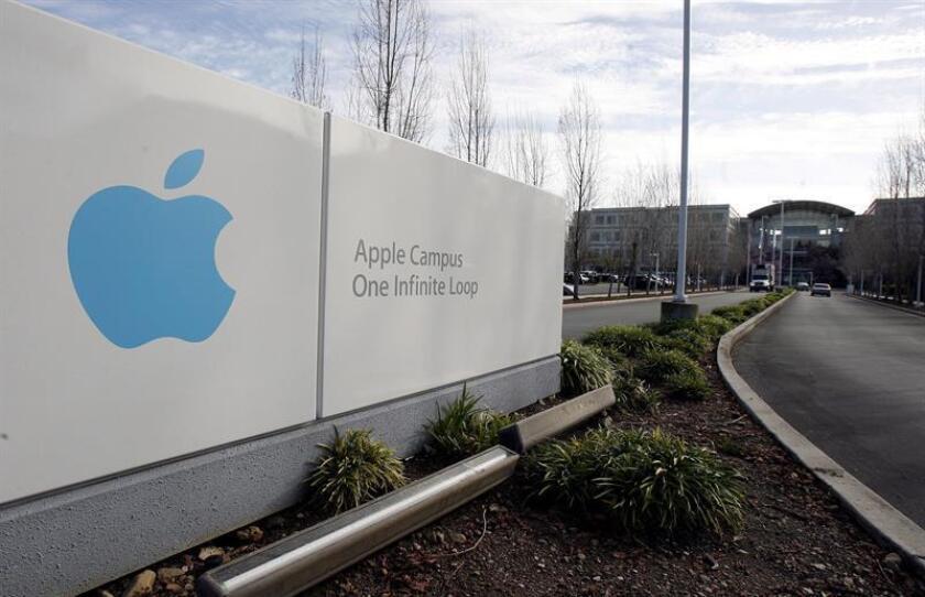 La firma Apple anunció hoy que en los próximos cinco años contribuirá a la economía de Estados Unidos con 350.000 millones de dólares y creará 20.000 nuevos empleos. EFE/Archivo