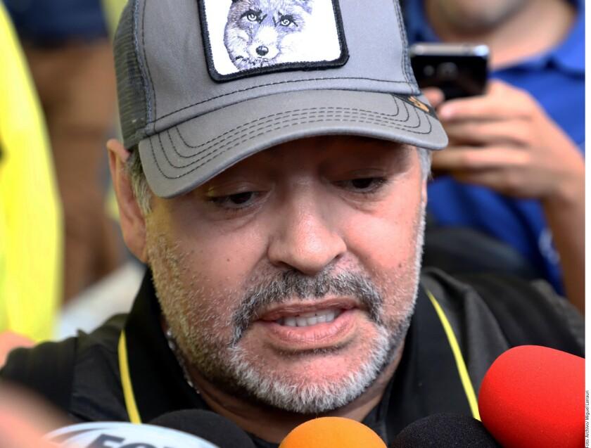 Diego Armando Maradona fue dado de alta de un sangrado estomacal, pero será operado la próxima semana.