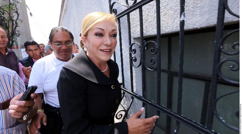 """La Alcaldesa, Ana Balderas, no soportó los cuestionamientos sobre su ajuar lujoso y despotricó contra la reportera que le preguntó al respecto. """"Pinche vieja estúpida"""" soltó la Edil panista, lo cual quedó grabado en un video de Grupo REFORMA."""