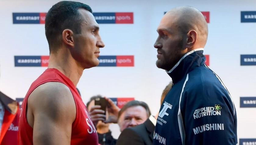 El combate Wladimir Klitschko (i) y Tyson Fury tendrá que esperar...