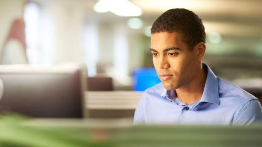 Una cláusula que pocos conocen pero que es permitida por la ley laboral en la mayoría de los estados de Estados Unidos está haciendo que muchos empleados en ese país se sientan como rehenes en sus trabajos.