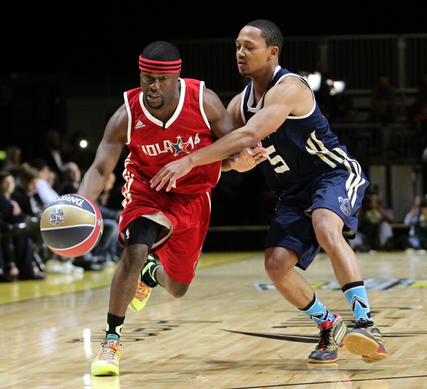 Kevin Hart Mo Ne Davis Headline Nba All Star Celebrity Game Los Angeles Times