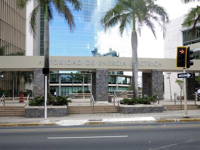 Aspecto de la fachada de la Autoridad de Energía Eléctrica (AEE) en San Juan, Puerto Rico. EFE/Archivo