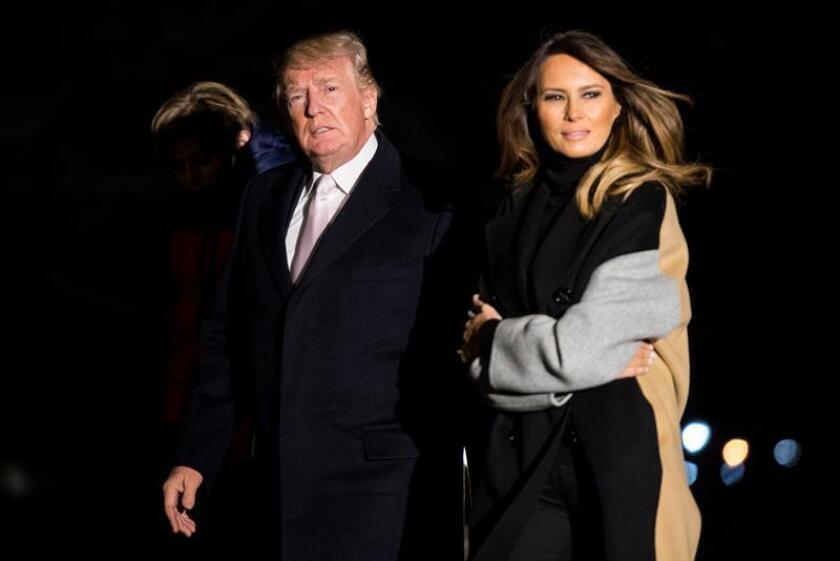El presidente estadounidense, Donald J. Trump, y la primera dama, Melania Trump, llegan a la Casa Blanca. EFE/Archivo