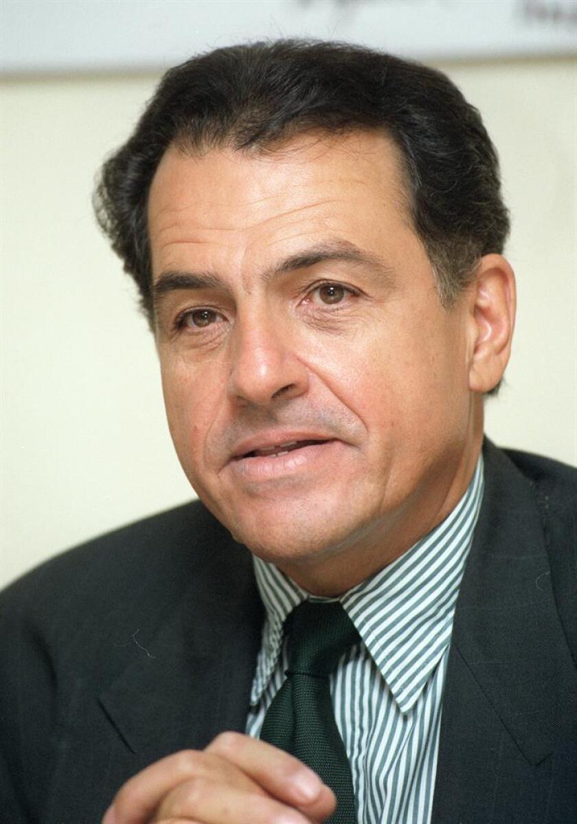 Fotografía de archivo del exgobernador de Puerto Rico Rafael Hernández Colón. EFE/Archivo