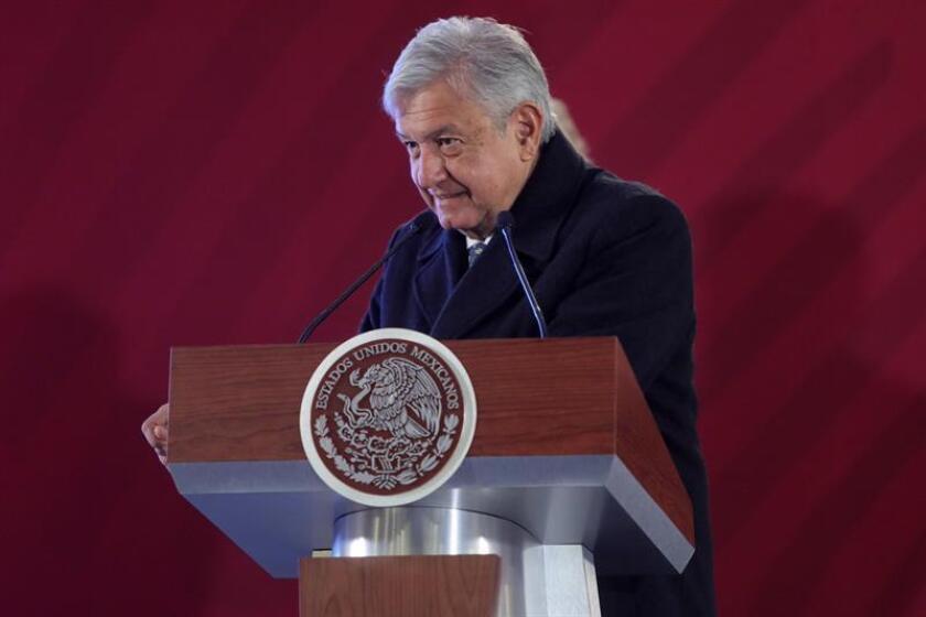 El presidente de México, Andrés Manuel López Obrador habla durante una rueda de prensa hoy en Palacio Nacional, en Ciudad de México (México). EFE