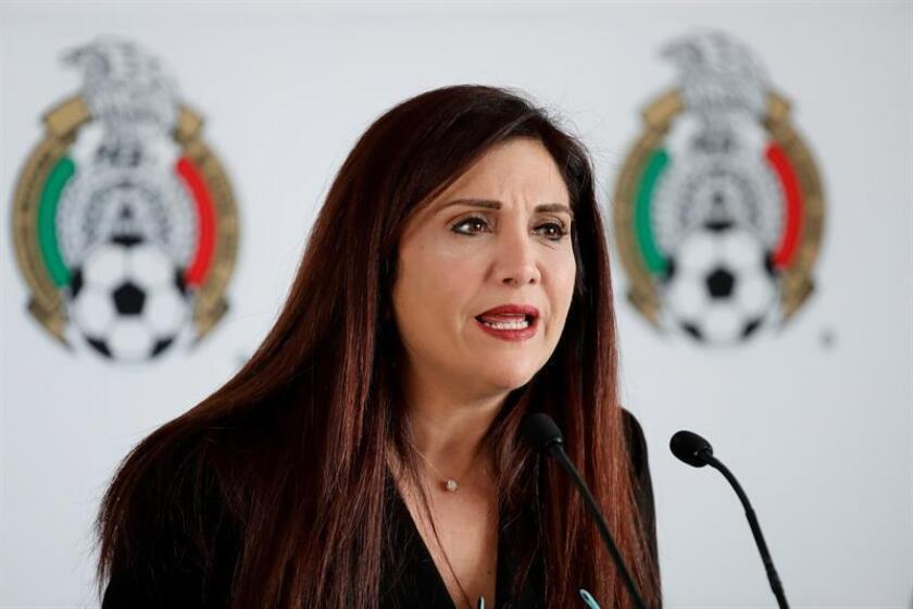 La vocera de la Federación Mexicana de Fútbol Beatriz Ramos ofrece una rueda de prensa hoy, en el Centro de Alto Rendimiento (CAR), de Ciudad de México (México). EFE